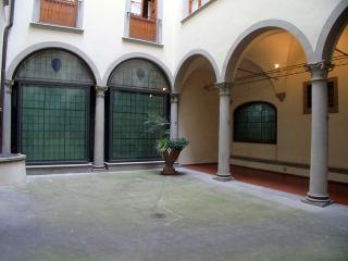 Lovely 1 bedroom Condo in Florence with Balcony - Florence vacation rentals