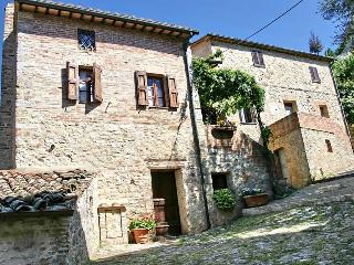 Very Cozy 3 Bedroom Vacation House in Siena - Rocca d'Orcia vacation rentals