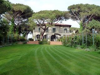 Villa Tomboli - Livorno vacation rentals