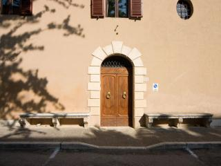 8 bedroom Villa with Internet Access in San Giovanni d'Asso - San Giovanni d'Asso vacation rentals
