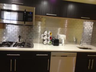 Resort Living, 25-40 Min. Commute to Manhattan - Staten Island vacation rentals