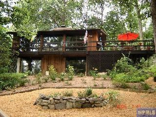 Cozy 3 bedroom Cold Spring House with Deck - Cold Spring vacation rentals