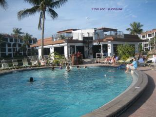 Pool and Clubhouse - Tranquil, Spectacular View, WiFi, Kids Program - Sanibel Island - rentals