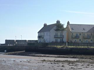 Tide's Reach - Harbourside holidays in SW Scotland - Garlieston vacation rentals