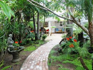 OB Bungalow, Dog Friendly, Spa, Tropical Garden - Pacific Beach vacation rentals