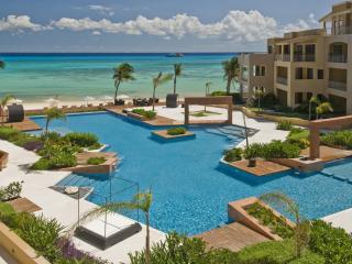 1 BR Beachfront in the Heart of Playa del Carmen! - Playa del Carmen vacation rentals