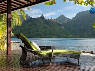 Robinson's Cove Villas - Deluxe Wallis Villa / TAHITI VILLAS - Papetoai vacation rentals