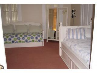 Nice House with Internet Access and Dishwasher - Bristol vacation rentals