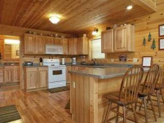 Beautiful 3 bedroom Cabin in Ferryville - Ferryville vacation rentals