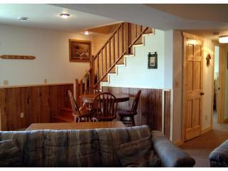 Beautiful Cabin with Deck and Internet Access - Ferryville vacation rentals