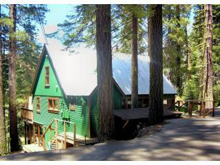 Winter Way Cabin with Hot Tub - High Sierra vacation rentals