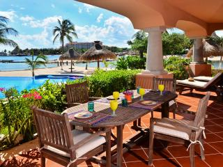 Steps from the Pool and Beach - Laguna del Mar - Puerto Aventuras vacation rentals