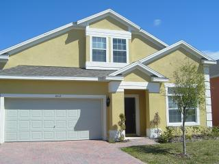 Beautiful Facade and Entrance Way - 5-Bedroom Gold Star Pool Home Near Disney - Kissimmee - rentals