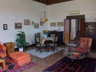 Palazzo Foscarini Elegant Apartment in Venice - Venice vacation rentals