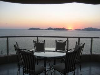 View from Balcony - Magnificent 3 Bedroom PH beach front condo - Acapulco - rentals
