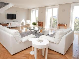 Champs Elysées - Gabriel Penthouse - Paris vacation rentals