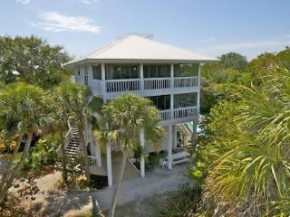 Rum Point - 5 BR/3.5 BA Pool-2 Golf Carts/slips - Captiva Island vacation rentals