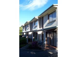 100_3815.JPG - Davey Place Holiday Townhouses -4 Star Serviced - Hobart - rentals
