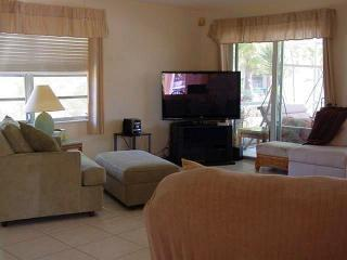 Great location close to popular Sombrero Beach - Marathon vacation rentals