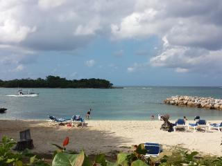 Beautiful Condo Studio in Paradise7 Mile Beachs - Negril vacation rentals