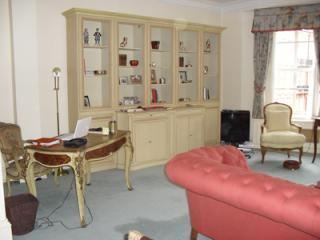 Elegant Charming Apartment in the Heart of Kensington - Harrow vacation rentals