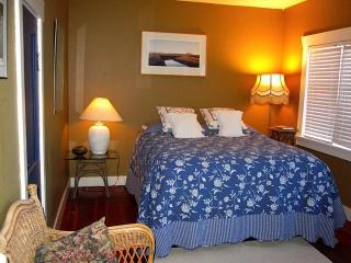 Lovely Cottage with Deck and Internet Access - Powell River vacation rentals