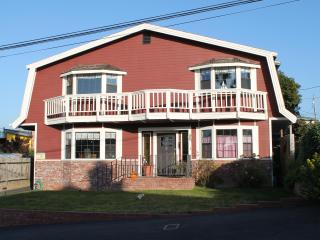 Ocean's Breeze on Bay  Spacious 4bed/3bath + game room. - Morro Bay vacation rentals