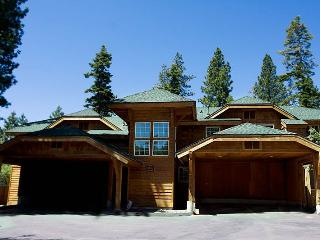 Newer Cozy Condo in North Lake Tahoe (102IW) - Incline Village vacation rentals