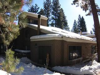 Lovely Condo in Beautiful North Lake Tahoe (75FP1) - Incline Village vacation rentals