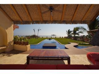 Dos Palmas - Oceanfront - Troncones vacation rentals