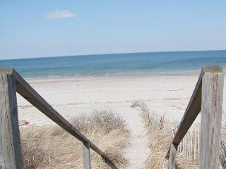 Perfect Condo with Deck and Internet Access - East Sandwich vacation rentals