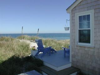 Cozy House in East Sandwich with Internet Access, sleeps 4 - East Sandwich vacation rentals