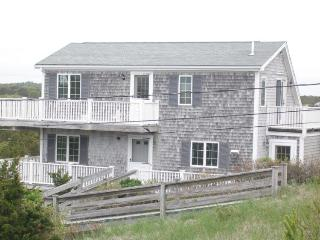 Beautiful 3 bedroom East Sandwich House with Deck - East Sandwich vacation rentals