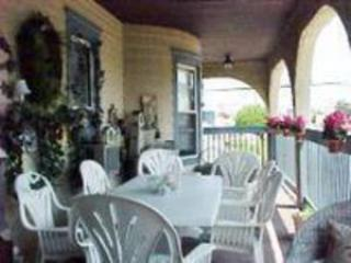 Front Porch-Seaview Ave - Wildwood Crest-  Huge wrap around deck -Ocean view - Wildwood Crest - rentals