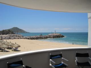 2 bedroom Apartment with Internet Access in Mazatlan - Mazatlan vacation rentals