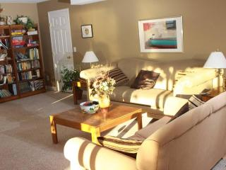 Bedsyde Manor - Private suite with great view of Okanagan Lake, West Kelowna - Kelowna vacation rentals