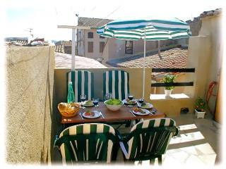 Wonderful Olonzac property, 2 bedrooms & private terrace in the heart of town - Olonzac vacation rentals