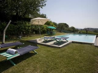 Charming Villa in Lucca with Deck, sleeps 9 - Lucca vacation rentals