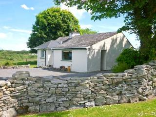 CNOC DUBH COTTAGE, family friendly, country holiday cottage, with open fire in - Kiltimagh vacation rentals