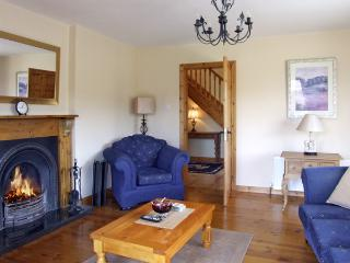 FERN VIEW HOUSE, family friendly, country holiday cottage, with a garden in Beaufort, County Kerry, Ref 3922 - Beaufort, County Kerry vacation rentals
