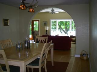 Spacious House with Internet Access and Dishwasher - Libby vacation rentals