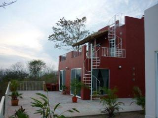 Nice House with Deck and Internet Access - Puerto Angel vacation rentals