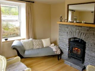 STATION COTTAGE, family friendly, with a garden in Ballydehob, County Cork, Ref 3890 - Ballydehob vacation rentals