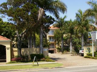 Cozy 2 bedroom Condo in Currumbin - Currumbin vacation rentals
