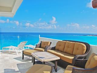 Penthouse #371 - Cancun vacation rentals