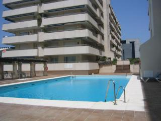 View of pool and apartment building - Marina Banus Puerto Banus Beachside apartment - Marbella - rentals