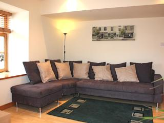 Shoreside Apartment  -  Superb Quality Flat - Edinburgh & Lothians vacation rentals