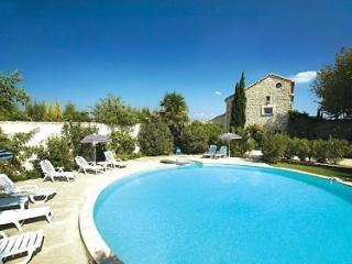 The Trellis Villa Holiday House rental in Provence - Saint-Laurent-des-Arbres vacation rentals