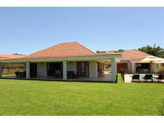 Oyster Lodge (L) + Pearl Cottage (R) - Oyster Cottages - Umhlanga Rocks - rentals