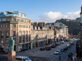 The Walter Scott Suite;central luxury,castle views - Edinburgh vacation rentals